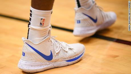 Nike and other sneaker companies may feel the fate of the Chinese NBA controversy