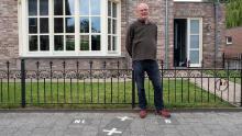 Although most of Julien Leemans & # 39; the house is in the Netherlands, its front door is in Belgium.