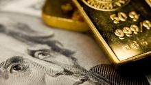 Gold at a maximum of seven years and bond yields flirt with record lows as fear grips Wall Street