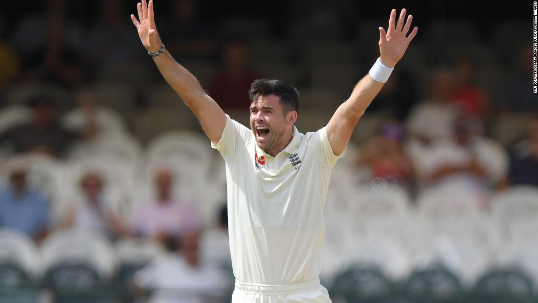 SYDNEY, AUSTRALIA - JANUARY 03:  James Anderson of England successfully appeals for the dismissal of Shane Watson of Australia for LBW during day one of the Fifth Ashes Test match between Australia and England at Sydney Cricket Ground on January 3, 2014 in Sydney, Australia.  (Photo by Cameron Spencer/Getty Images)