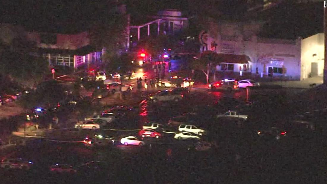 Police: Suspect in custody after 3 shot at Arizona shopping complex