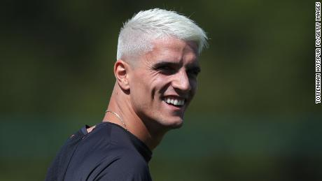Erik Lamela opted for the classic peroxide blonde.