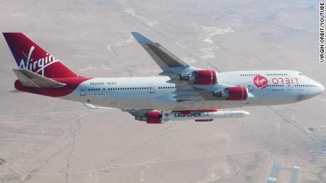 Virgin Orbit & # 39; drop test & # 39; a rocket from a 747 aircraft 35,000 feet in the sky