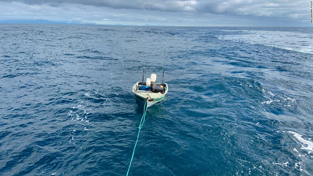 New Zealand teenager rescued after attempting to cross Cook Strait by rubber boat