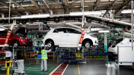 Renault could & # 39; disappear & # 39; without government help, warns the French finance minister