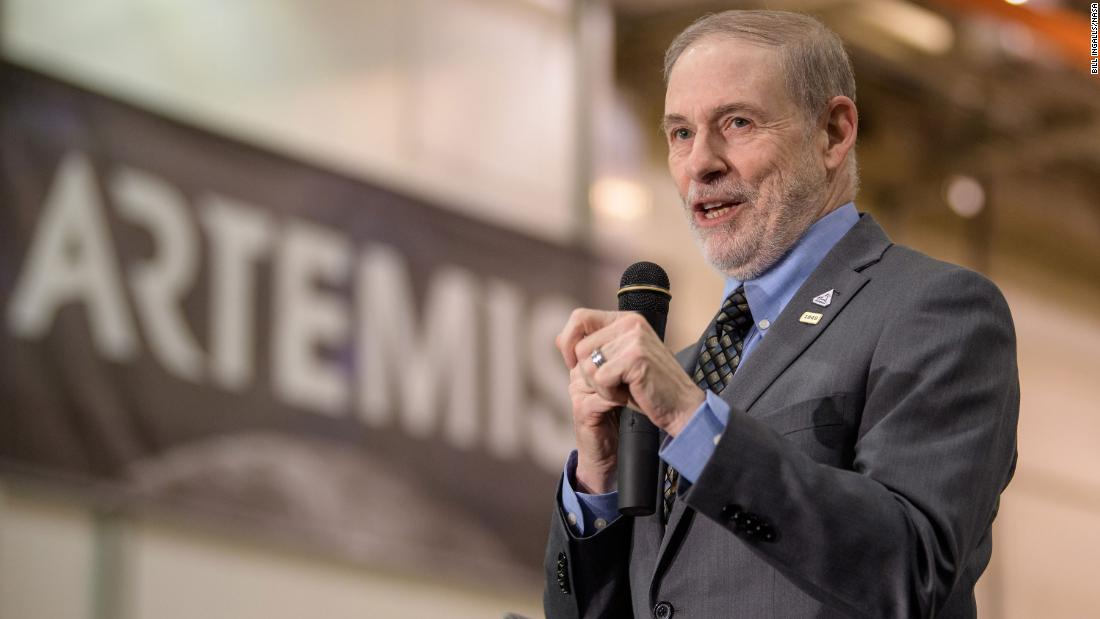 NASA's human space flight chief resigns abruptly, citing