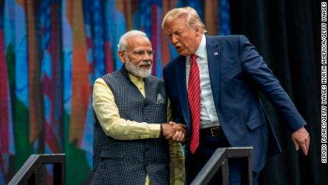 Modi models a strong seizure of power while Trump visits India