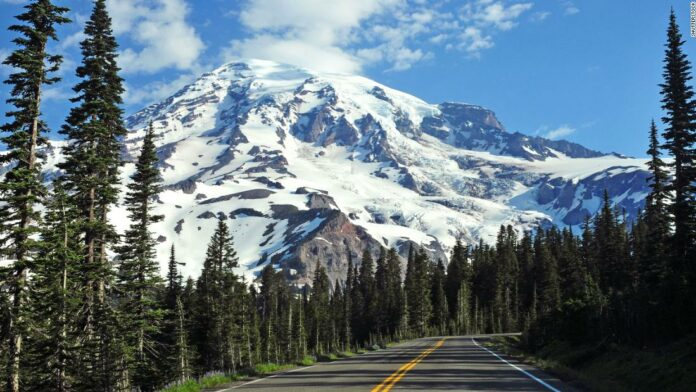 Mount Rainier: The body of one of three missing men has been found