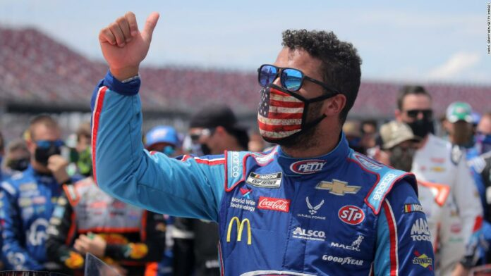 Bubba Wallace: White House refuses to denounce Confederate flag as Trump bemoans NASCAR ban