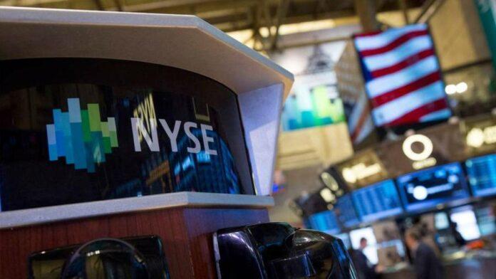 Dow Futures Cautious Ahead of Fed, Dollar Extends Slump
