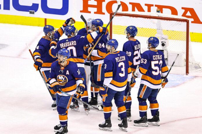 Islanders take commanding series lead over Flyers