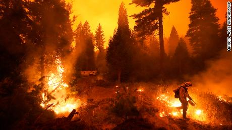 Hundreds of people were rescued from the creek fire by people trapped in the wall.
