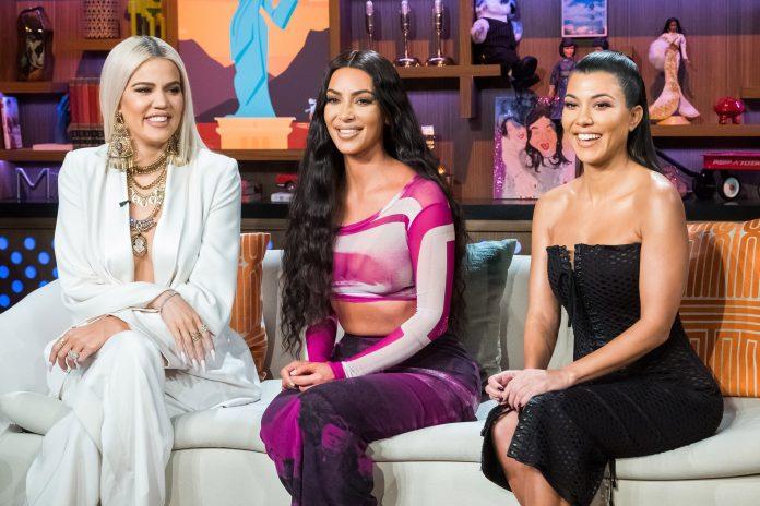 Kim Kardashian and 'KUWTK' bikini photo shared with sisters Kourtney and Khloé: 'Trifecta 2006'