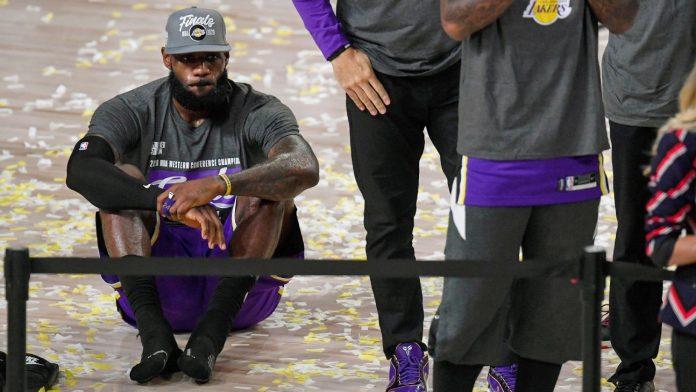 Los Angeles Lakers' LeBron James draws to make 10th NBA Finals