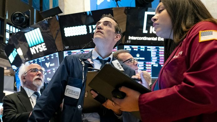 Plunge stock futures as the Fed signals no stimulus