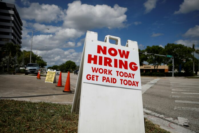 Private payrolls rise to 428,000 but expectations are missed, ADP report says