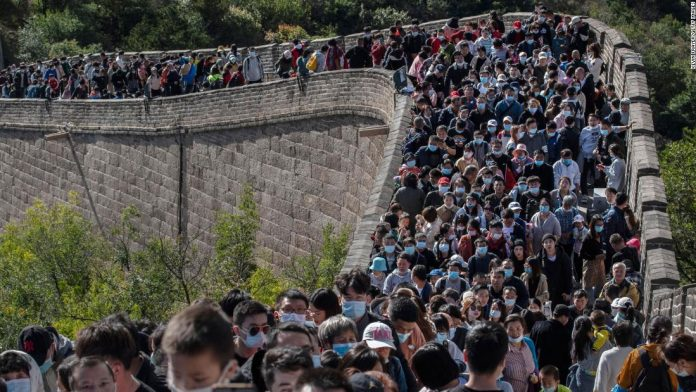 What epidemic?  Crowds fill the Great Wall of China during the holiday week