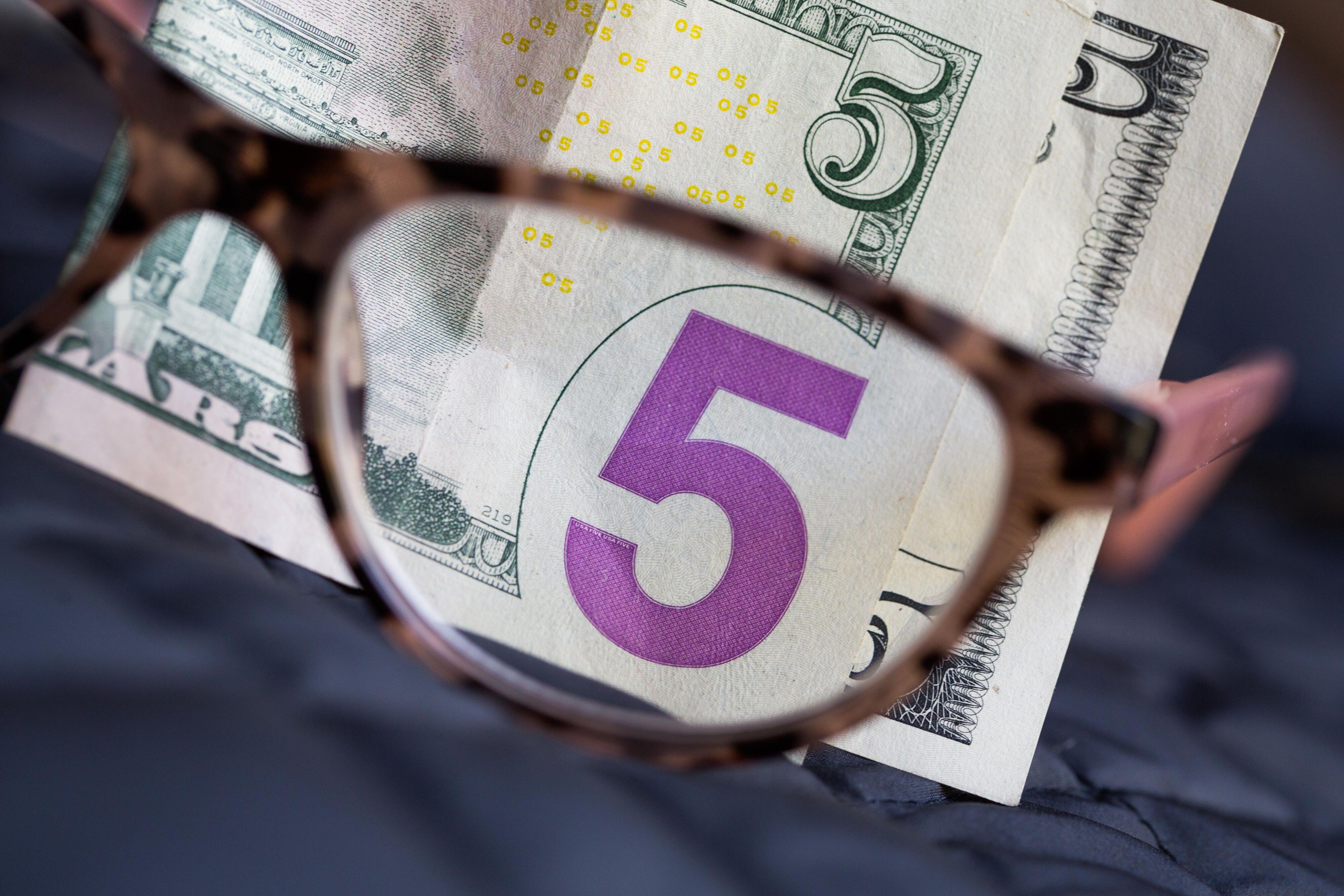 Money-dollar-dollar-bills-cash-stimulation-tax-covid-coronavirus-us-7039
