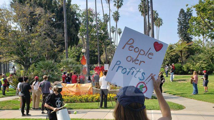 Anti-Amazon protests in LA, activists march to Jeff Bezos' home