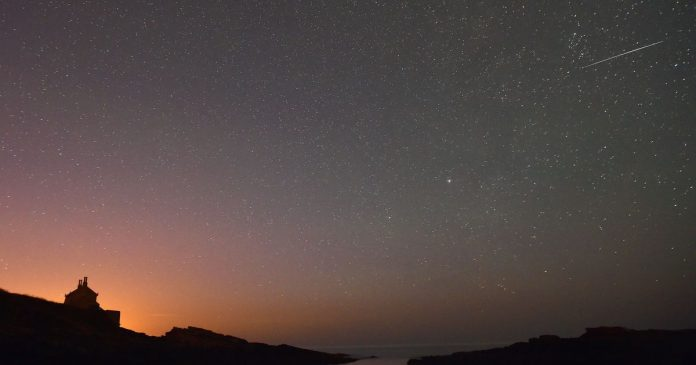 Meteor showers, Blue Moon and other stargazing dates for Te October