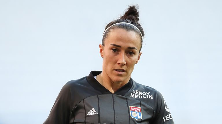 Luon plays for Lucy Bronze