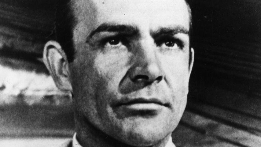Sean Connery has James Bond as L.S.