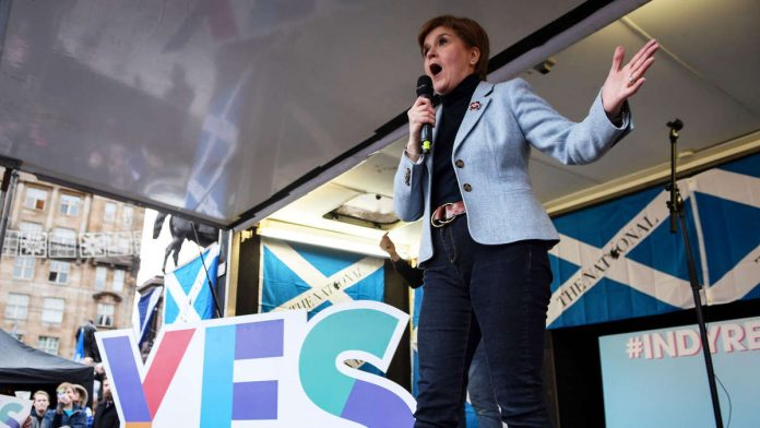 Brexit: Scotland's rebels - MPs want to vote on independence