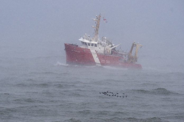 Fishing boat sinking |  Hawaii and marine searches suspended in Nova Scotia