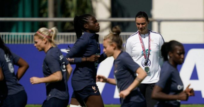 Football.  French women's team matches in Metz and sedan in February