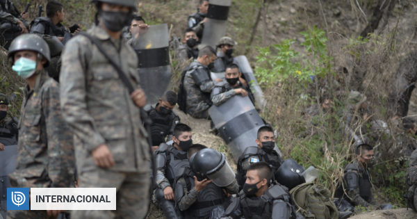 Guatemala police dispersed the migrant caravan and the road remained clear for three days.