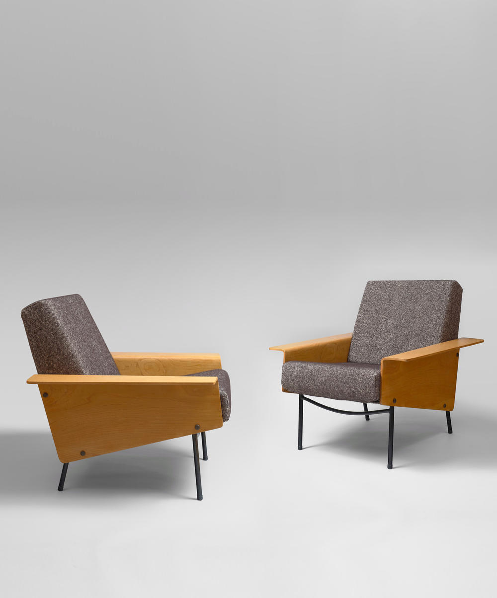 Pair of G10 twenty armchairs by Pierre Guarchi (1953).
