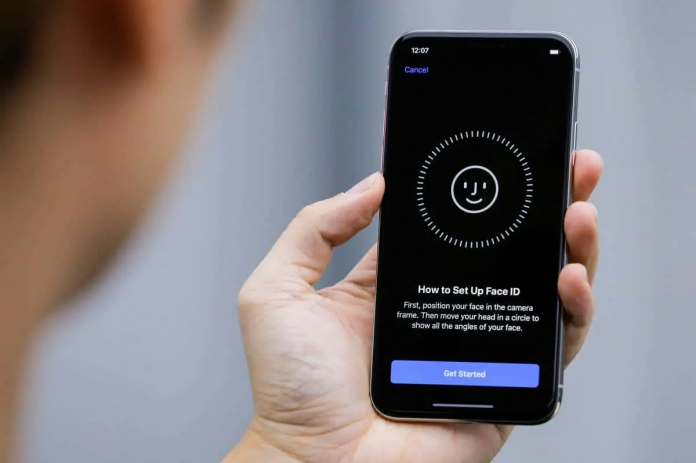 Apple is at the center of a scandal.  The company is accused of stealing Face ID, Smart HDR and other iPhone camera technologies