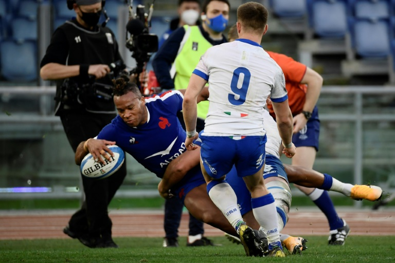 French winger Teddy Thomas made his second attempt against Italy in the inaugural match of their six-nation tournament in Rome on February 6, 2021