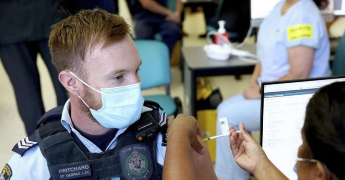 Coronavirus today.  There were more than 500,000 deaths in the US.  Vaccine administered in Italy, over 3.5 million doses
