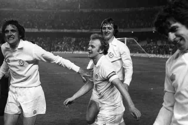 Death of the great Leeds gunner Peter Lorimer of the 1960s and 1970s