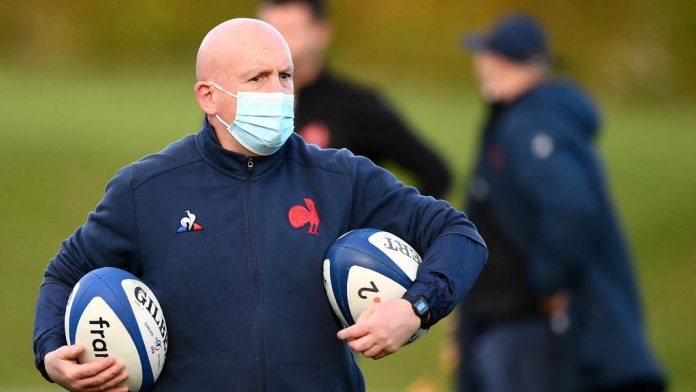 France XV's defense coach Sean Edwards missed and the defense faltered
