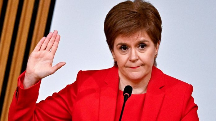 Scotland: Sturgeon defends himself against conspiracy charges - Politics
