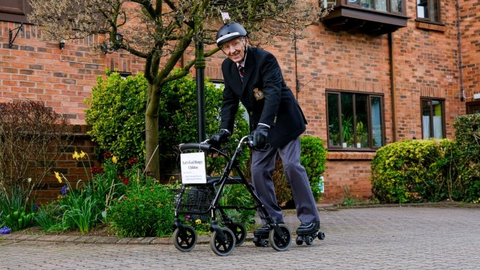 This 89-year-old Briton does roller skating to help the poorest people
