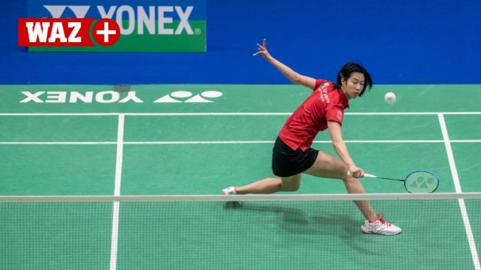 Yvonne Li has some trouble with German opening win