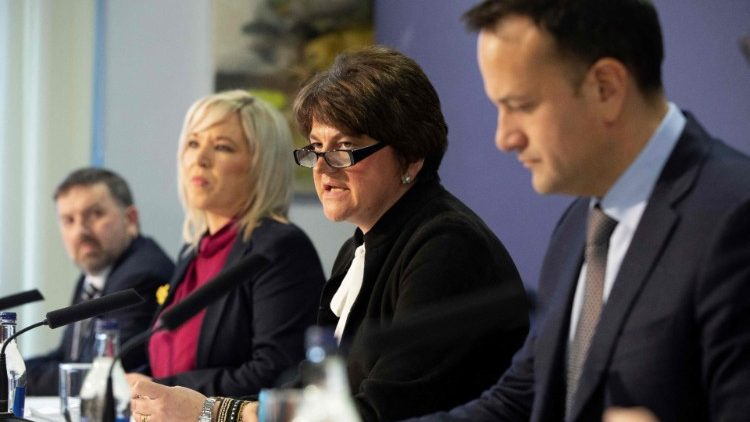 Irish Prime Minister Leo Varadkar (r.) On a visit to Northern Ireland in March