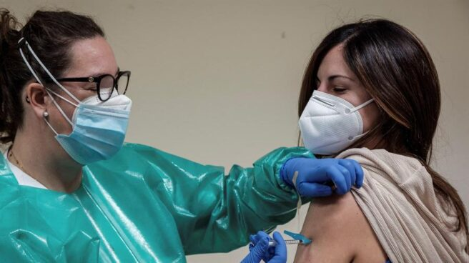 The government hides information about the vaccination scheme, it is the subject of