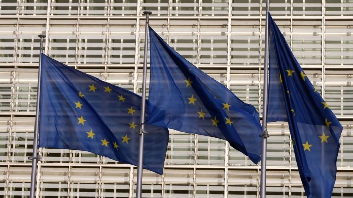 All 27 agree to allow entry into the European Union for fully vaccinated travelers