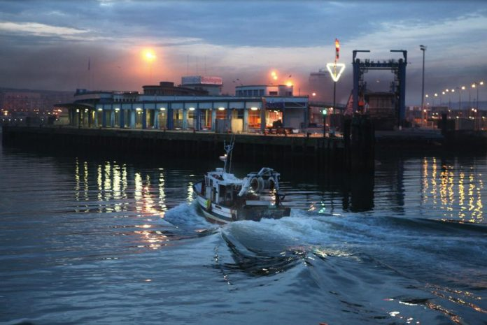 Tensions between Scottish and French fishermen over access to the port of Boulogne-sur-Mer