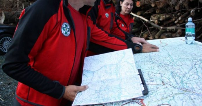 Search in Austria for missing German (54) and Dutch (19), who disappeared from radar a week earlier.  abroad