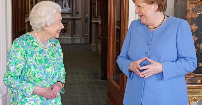 Angela Merkel is on her last official visit to the UK.  How the Queen and Prime Minister Boris Johnson greeted him
