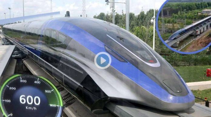 Video China unveils maglev train capable of maxing out at 600 kmph.  Video: Inauguration of a faster train than an airplane... Catch the first glimpse of China's maglev train