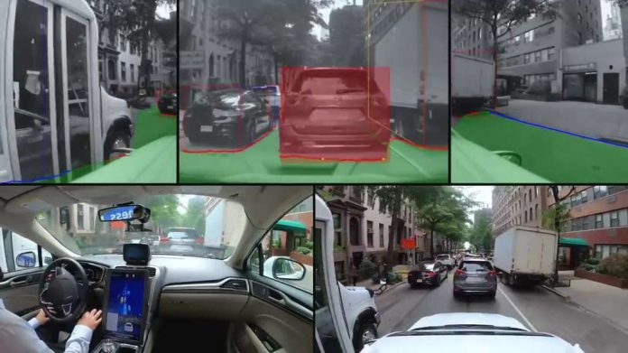 The Autonomous Experience: A Video Shows How a Car Without a Driver Goes Around in New York for 40 Minutes