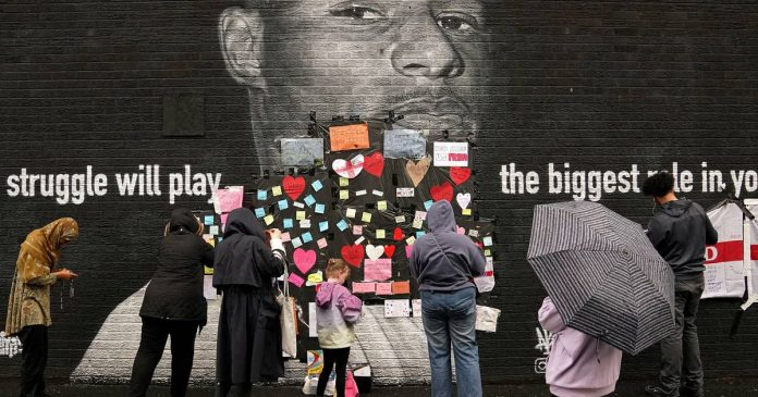 Fans pasted helpful messages on dirty Rashford artwork
