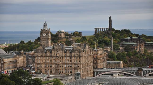 New dung emoji-shaped building in Edinburgh is controversial