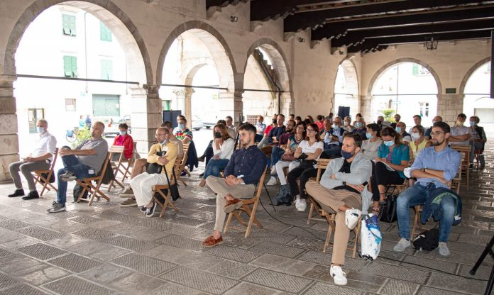 Many youths participated and the quality of the debate.  The meetings organized in Venzone by the Treaty for Autonomy and the EFA - European Free Alliance, a success.